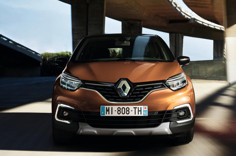 renault announces pricing and specifications for connected and distinctive new captur 09h00 020517 3
