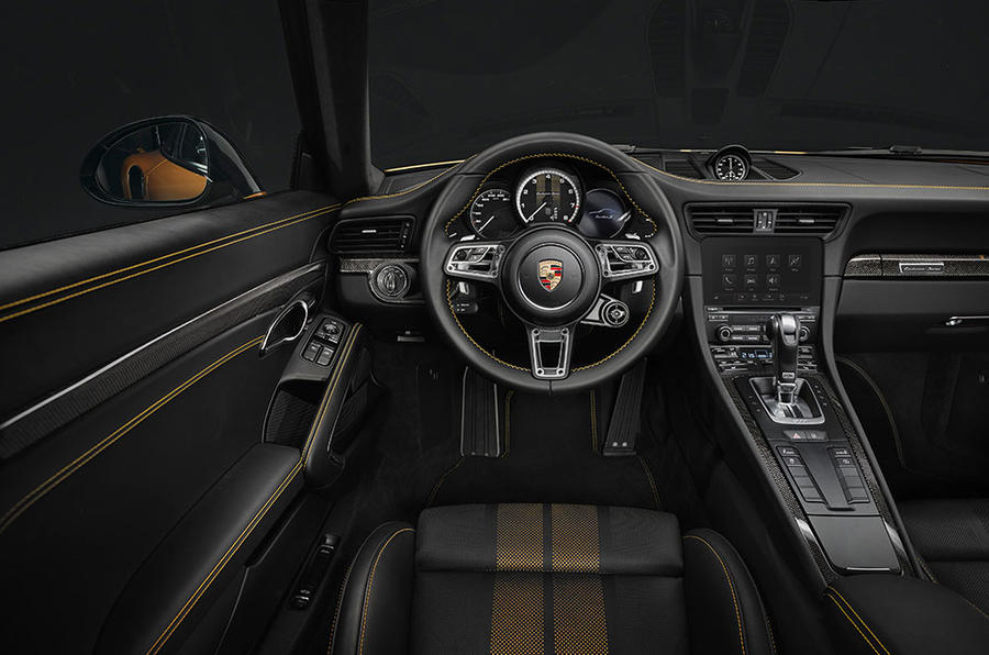 p17 0555 a3 rgb 911 turbo s exclusive series interieur